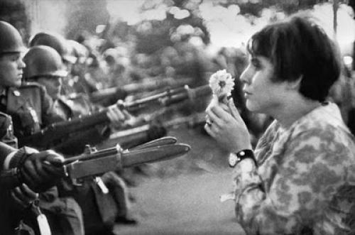Resultado de imagen de Mujeres contra la guerra